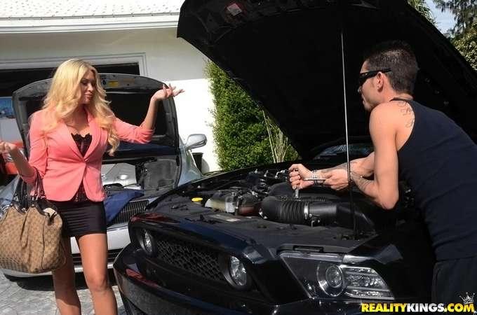 El mecánico me esta poniendo cachonda - foto 2