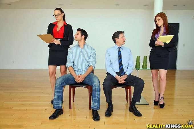 Follados y humillados en entrevista de trabajo - foto 1