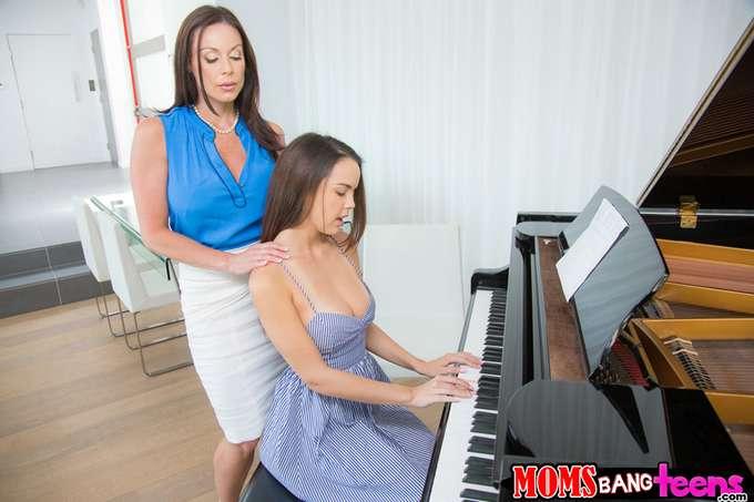 Si toco mal el piano, mamá me da unos azotes - foto 3