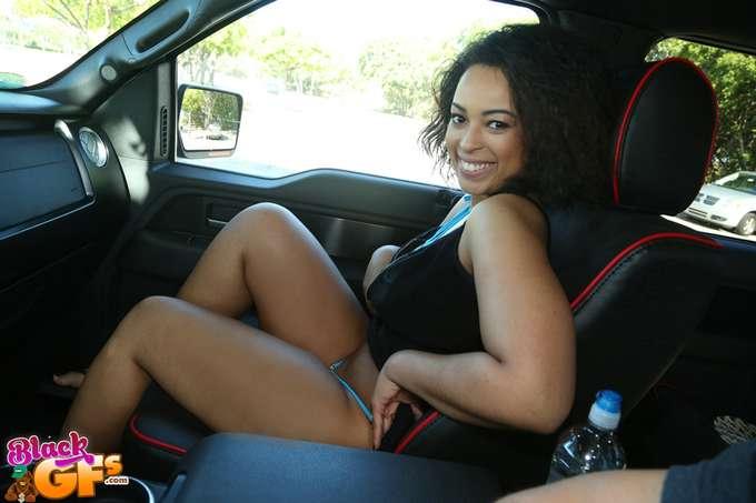 Veo a mi cuñada en bikini y joder, que polvo !! - foto 1