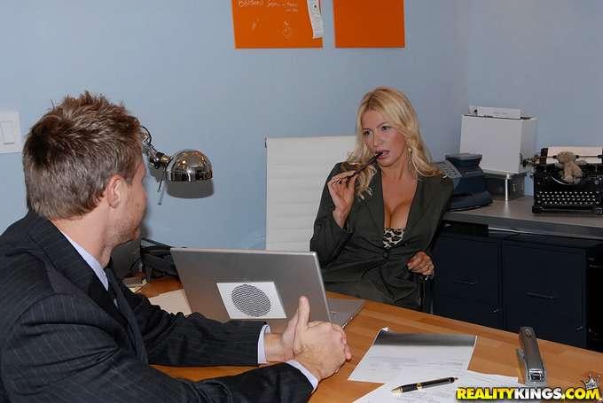 Mira hijo, vas a saber lo que es una mujer !! - foto 2