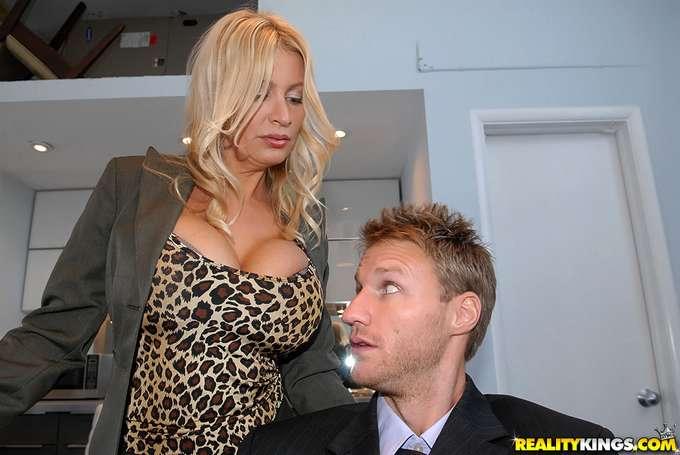 Mira hijo, vas a saber lo que es una mujer !! - foto 4