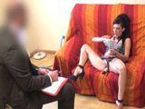 El psicólogo me trata por mi adicción al sexo - Porno Español