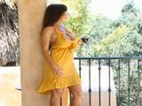 Lisa Ann esperando a su joven amante - Actrices Porno