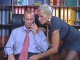 La nueva secretaria es fea pero tiene buen cuerpo - Secretarias