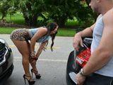 El coche me ha vuelto a dejar tirada … - Fotos Porno