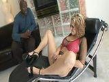 La paciente se entrega al psicólogo negro - Interracial
