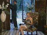 El limpiacristales mira mucho a la señora - Amas De Casa