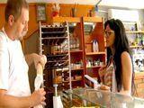 Casada ligando con el panadero del barrio - Españolas