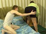 Le toco el culo a la señora de la limpieza - Amateur
