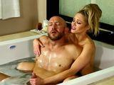 Mi cuñado y yo nos bañamos juntos - Cuñadas