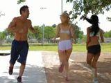 Salen a correr tan ajustadas y provocativas - Trios