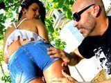 Sexo duro con la sobrina guarrilla - Porno Español
