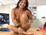 Milf en su primer vídeo porno - Milf