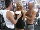 Follada en el gimnasio por dos boxeadores - Trios