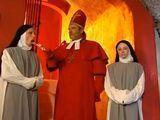 Las cosas en el convento no son lo que parecen - Anal