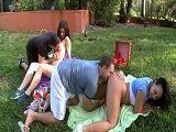 Intercambio de parejas en el parque - Zorras
