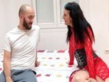 La secretaria se tira al chico de mantenimiento - Porno Español