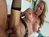 Da igual la edad que tenga Raquel Sultra - Actrices Porno