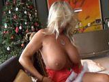 No olvido la mamada de mi vecina en Navidad - Mamadas