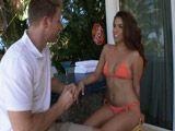 Tremendo como le queda el bikini a la señora - Casadas