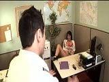 Entró en el despacho y la pilló masturbándose... - Secretarias