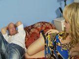 Despierta cuñado, anda, méteme el rabo - Rubias