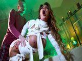 Elicia Solis: Una momia muy viciosa - Milf