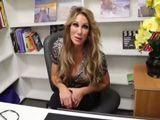 La profesora me cita en su despacho, querrá sexo !! - Profesoras
