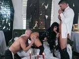 Joslyn James adora la brujería y sobretodo el porno duro - Trios