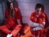 Las noches en prisión son muy largas, pero muy agradables - Lesbianas