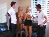 Alexis Ford y Nikki Benz se lo montan con dos amigos - Orgias
