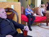 El marido borracho y ella tonteando con el nuevo vecino - Anal