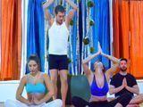 El profesor se folla a las alumnas de la clase de yoga - Sexo Fuerte