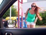 Iba conduciendo y la vi a ella, que señora, que tetas - Xvideos