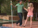 Deja de limpiar la piscina, mi marido se acaba de ir … - XXX