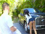 Cada vez que se pone a lavar el coche, coño que culo !! - Culos