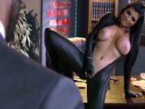 Hija puta, se planta en mi despacho medio desnuda - HD