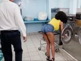 Joder, pues me va a gustar bajar a la lavandería - Negras