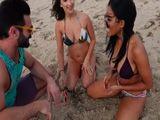 Van a la playa sin sus maridos, están deseosas de polla - Xvideos