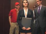 Ni en el ascensor dejan de acosarme y mirarme el culo - Italianas