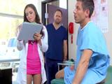 Mi doctora si que está buena, joder, me la pone dura - Xvideos
