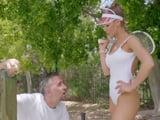 Juega a tenis de escándalo, me ha dado una paliza ... - XXX