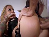 Videos desnudando a una mujer