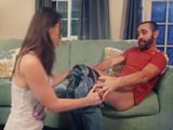 Mi cuñada me quita el pantalón, joder, esta quiere polla !! - Cuñadas