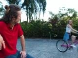 Hasta cuando monta en bici la cabrona me provoca ... - Porno HD