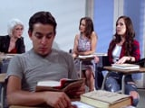 No dejan de hablar durante la clase, vaya tres cotorras - Xvideos