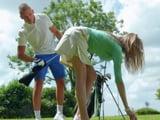 Me está gustando esto de dar clases de golf a millonarias - Porno HD