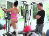 Me encanta verla entrenar, tiene un pedazo de culo ... - Porno HD