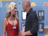 Ligando en una reunión de antiguos alumnos del instituto - Porno HD